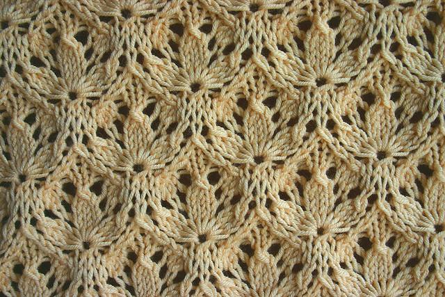 фото ажурный узор для вязания спицами трилистник