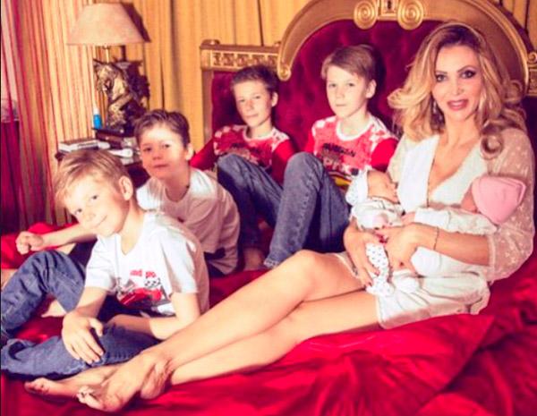 Евгения Машко с детьми