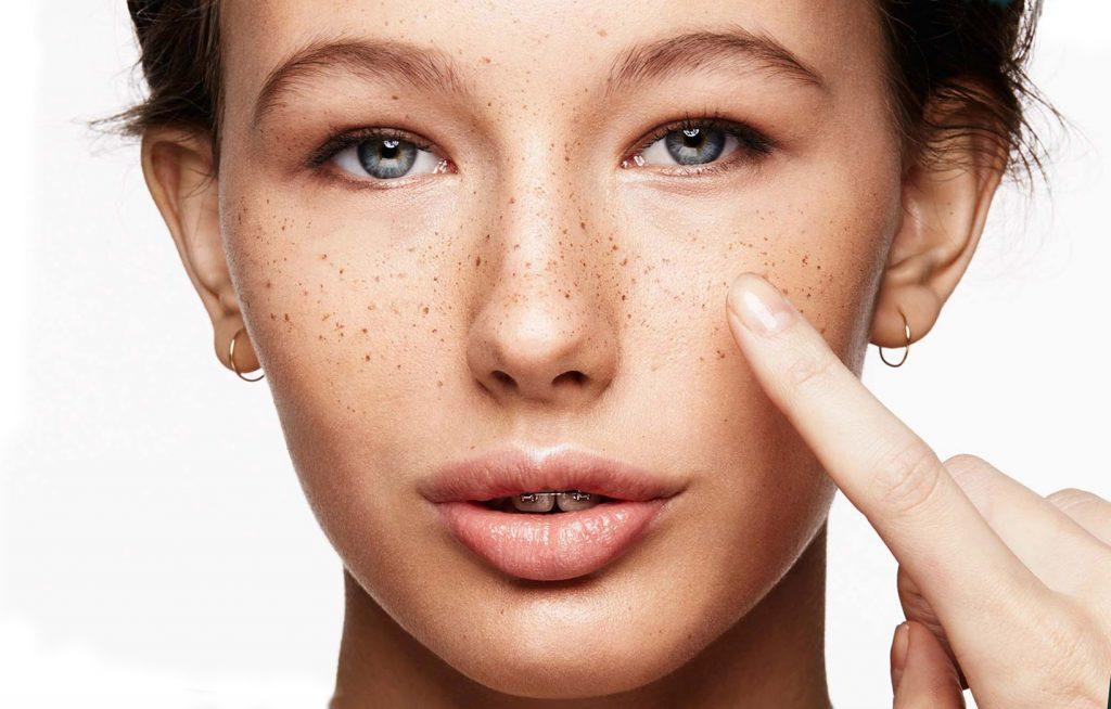 коричневые пятнышки на лице