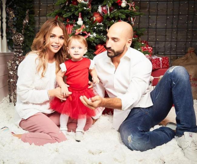 счастливая семья Анны
