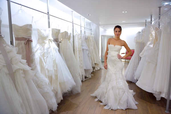 vybrat' svadebnoe plat'e