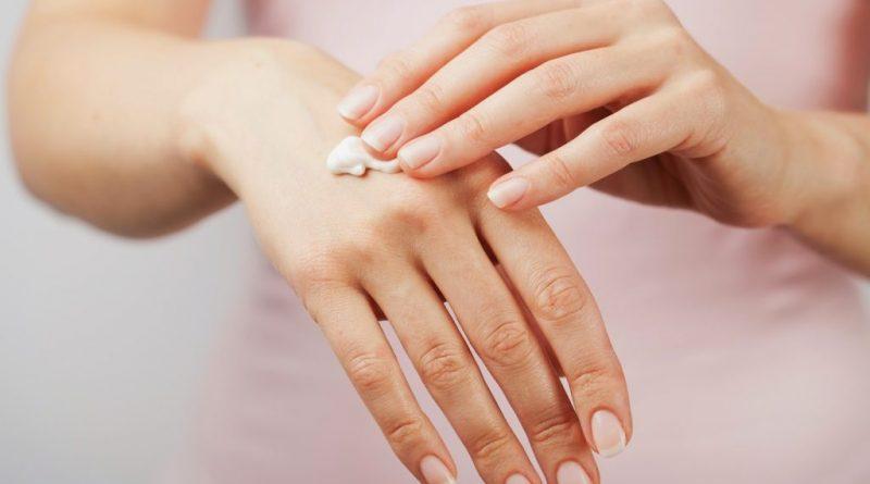 почему сохнет и трескается кожа на пальцах рук