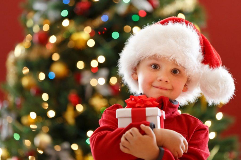 Подарки детям на Новы Год
