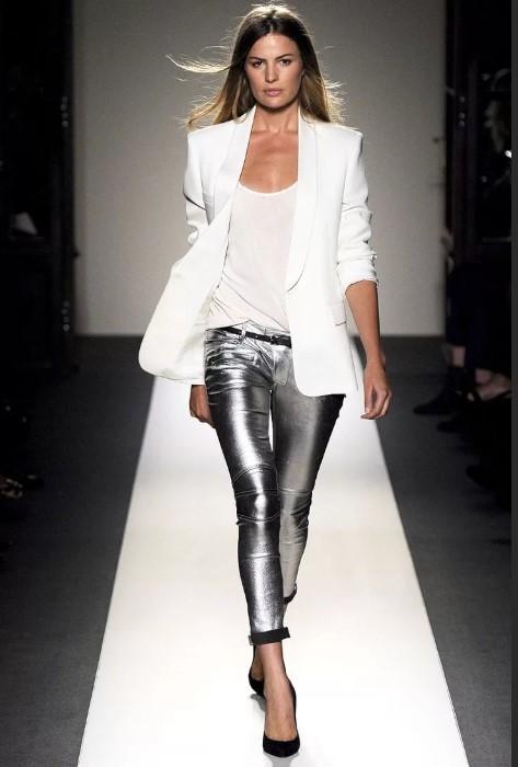 Кожаные брюки с пиджаком