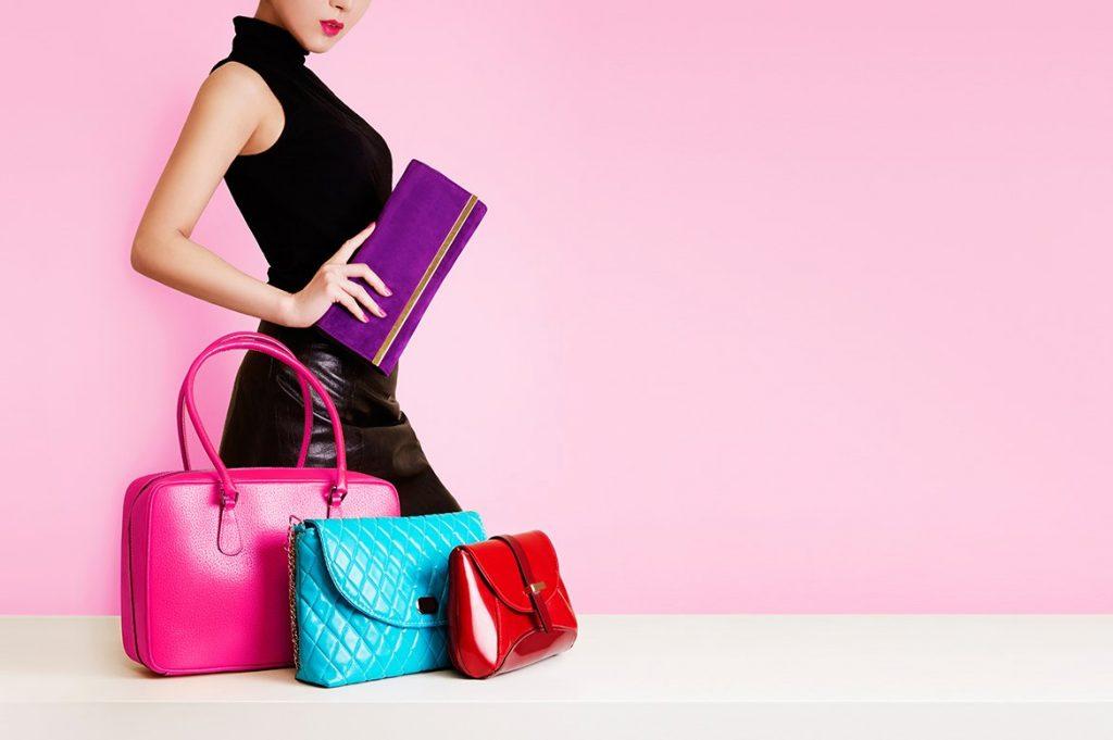 картинка с сумками для объявления девушки