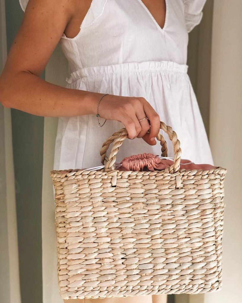 Плетеная сумка из соломки