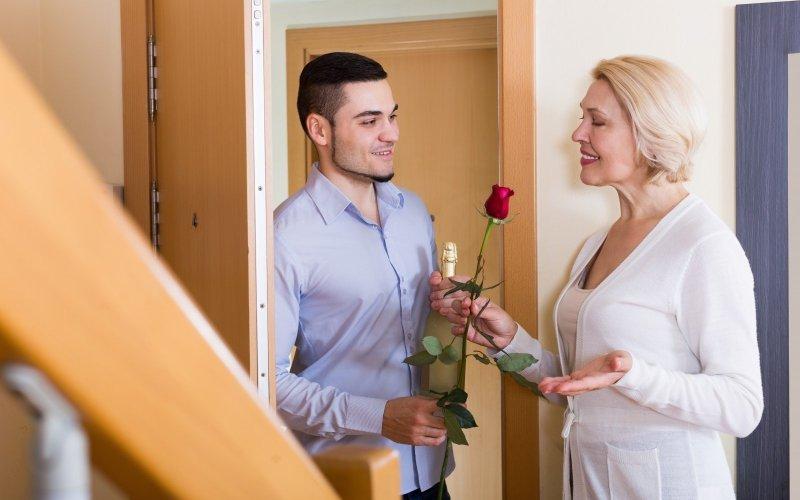 Жена старше мужа: положительные моменты