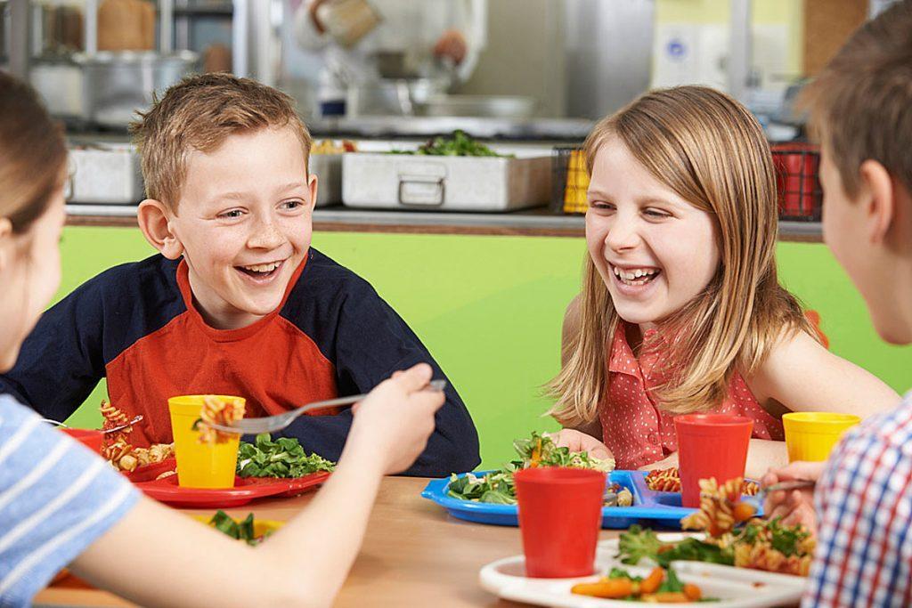 Отдельный стол для детей