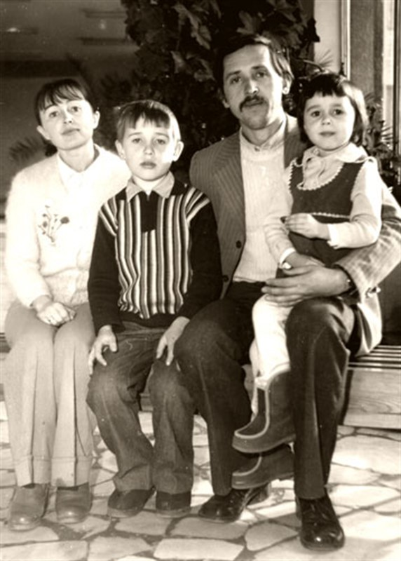 Семья Анастасии Заваратнюк