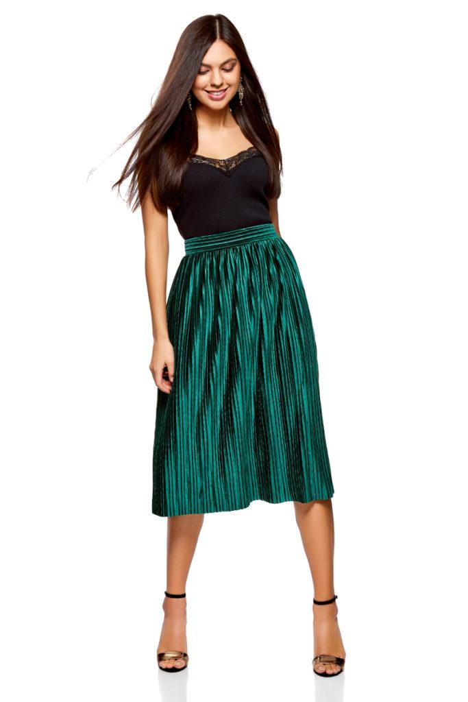 зеленая плиссированная юбка