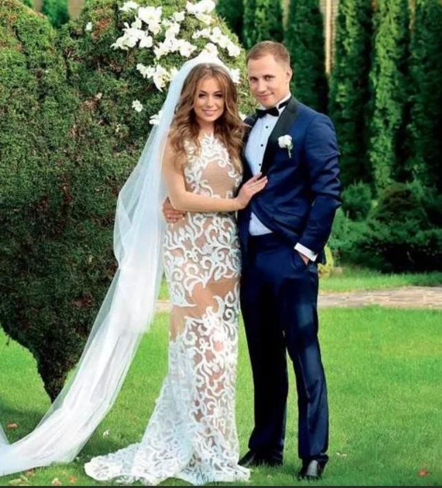 Яна Сунн с новым мужем Олегом