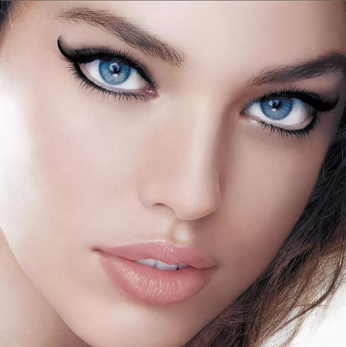 Цвет подводки для голубых глаз