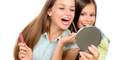 Знакомство девочки-подростка с декоративной косметикой. Рекомендации косметолога-визажиста