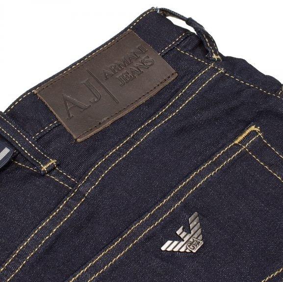 Как отличить настоящие джинсы Армани от подделки