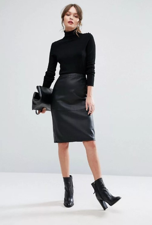 Кожаная юбка с водолазкой