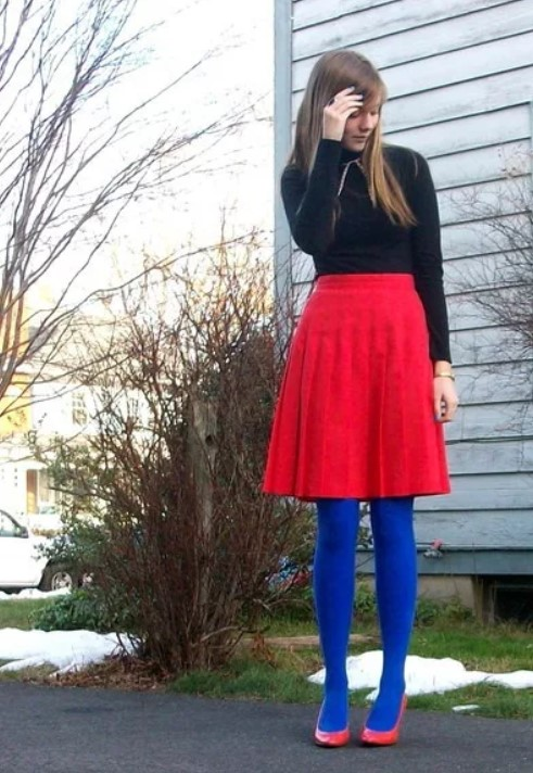 Синие колготки с юбкой до колен